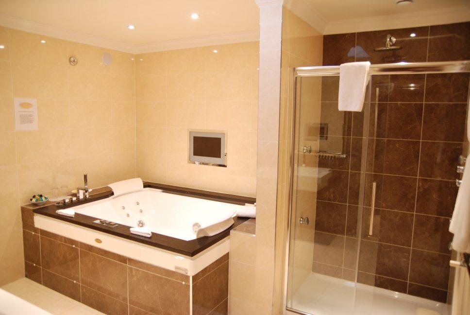 Fairview Penthouse bathroom