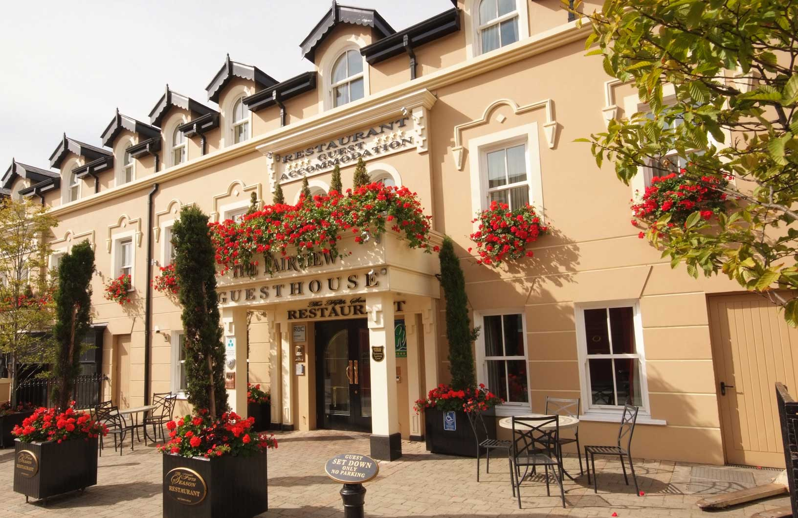 Family Rooms In Hotels In Killarney